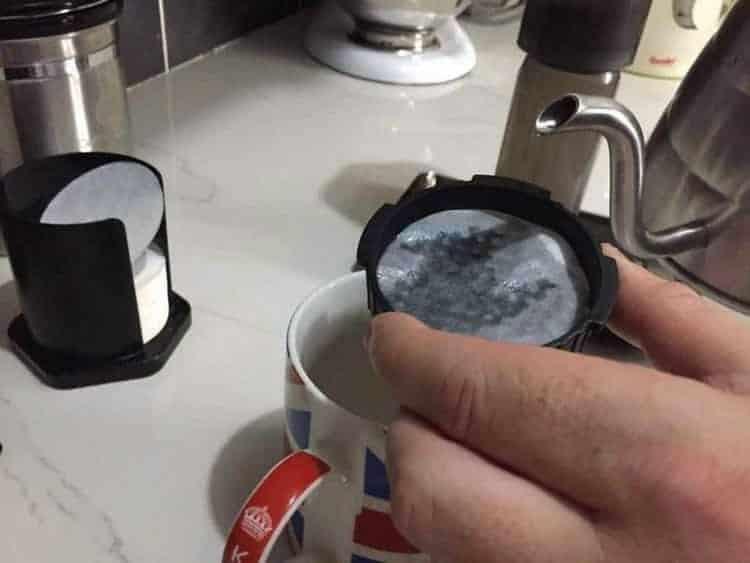 Aeropress cap with paper filter